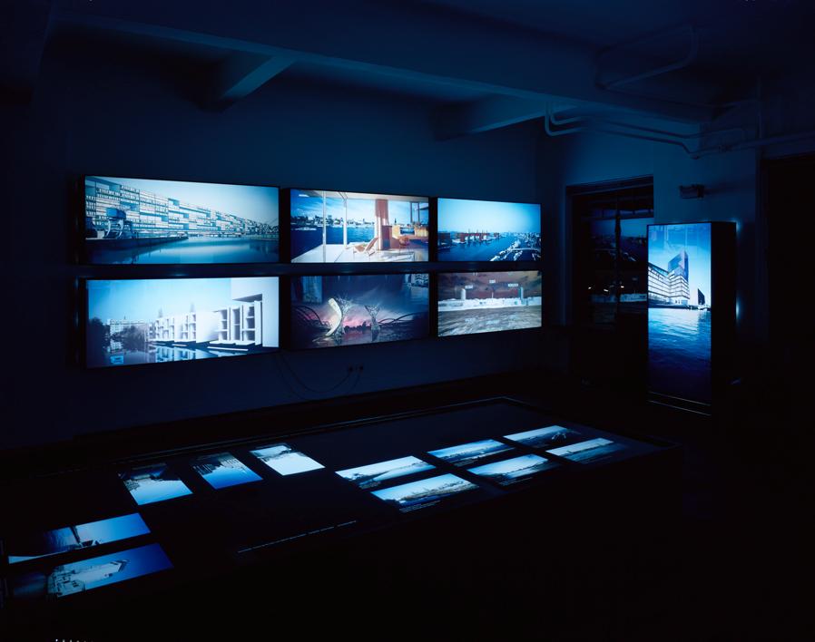 Blanks –Visionen am Wasser, Ausstellungsansicht Nacht, Hamburger Architektursommer 2003
