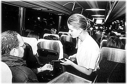 """Stadtfahrt, 1993, Videodokumentation des Projekts von Sabine Siegfried und Eva Bothe / Ingold Airlines, """"Hier sein heißt dort sein können (Carlo E. Lischetti)"""" / Foto: Arno Declair"""